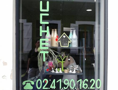 Lettrage peint sur vitre
